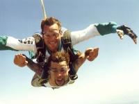 Tandemsprung aus 3000 - 4000 Meter  (200€  pro Person)